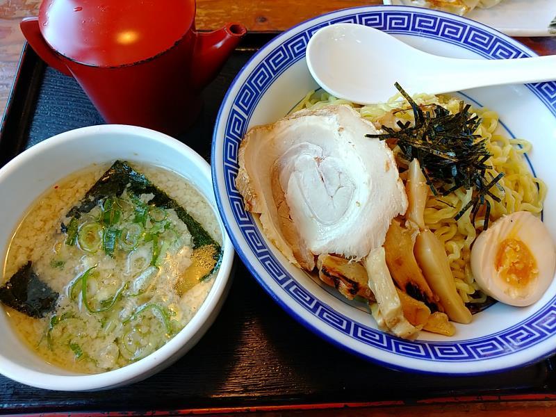 麺家くさびの「豚骨醤油つけ麺」
