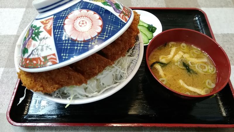 インター食堂のソースカツ丼