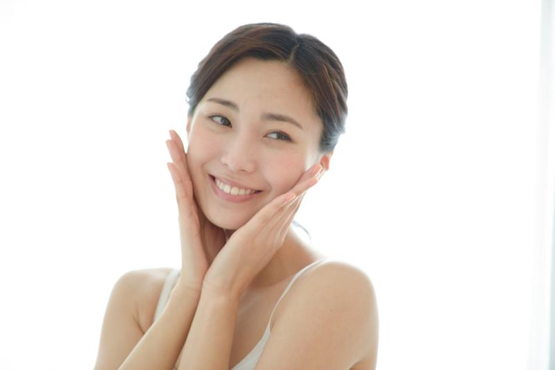 家庭用脱毛器の効果に満足している女性
