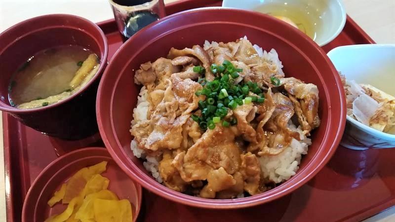 ジョイフルのスタミナ豚丼