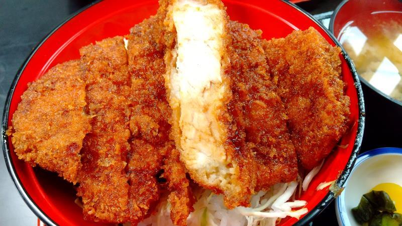 上名代ソースカツ丼の厚切りロース