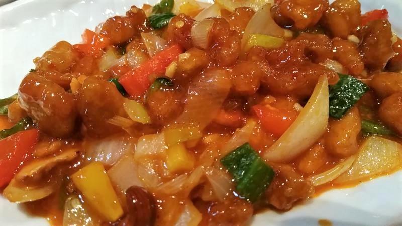 刀削麺の「鶏肉とピーナツ炒め」