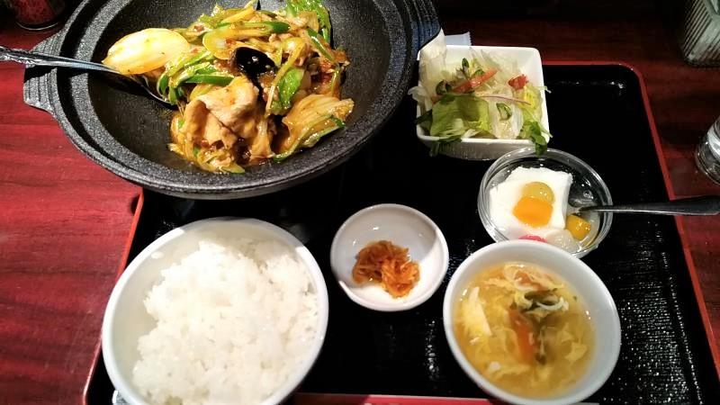 刀削麺の「本日のランチセット」