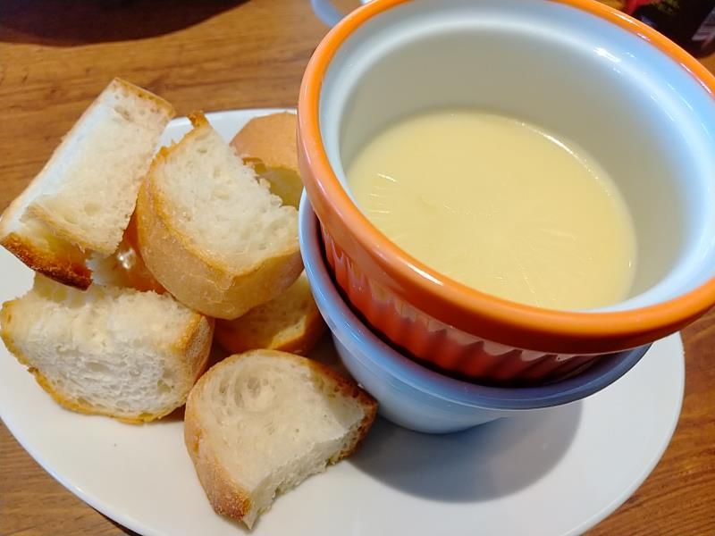 ジョリーパスタのチーズフォンデュ