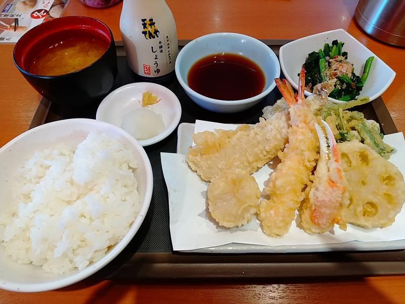 天丼てんやの「冬のご馳走天ぷら定食」