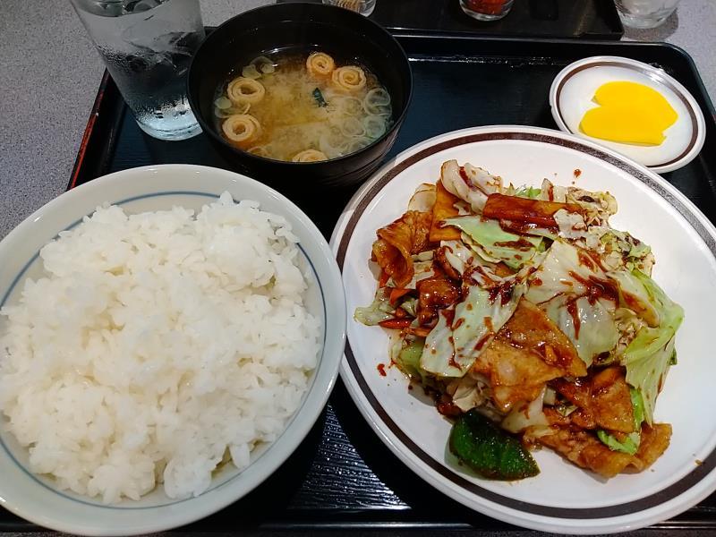 五百川食堂の回鍋肉定食
